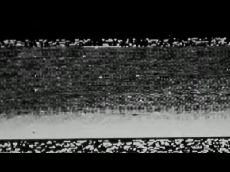 Jedyny niekompletny obraz jaki udało się przesłać lądownikowi Mars 3 na Ziemię z powierzchni Marsa