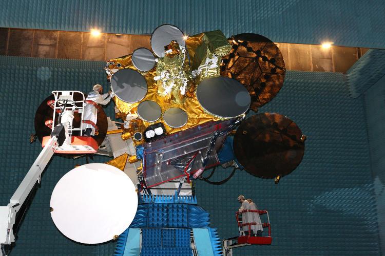 Satelita telekomunikacyjny Eutelsat 3B podczas testów mechanicznych